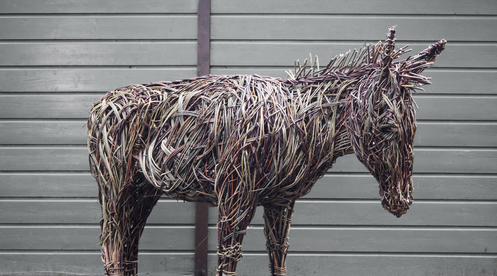 Willow Sculpture with Lynn Kirkham